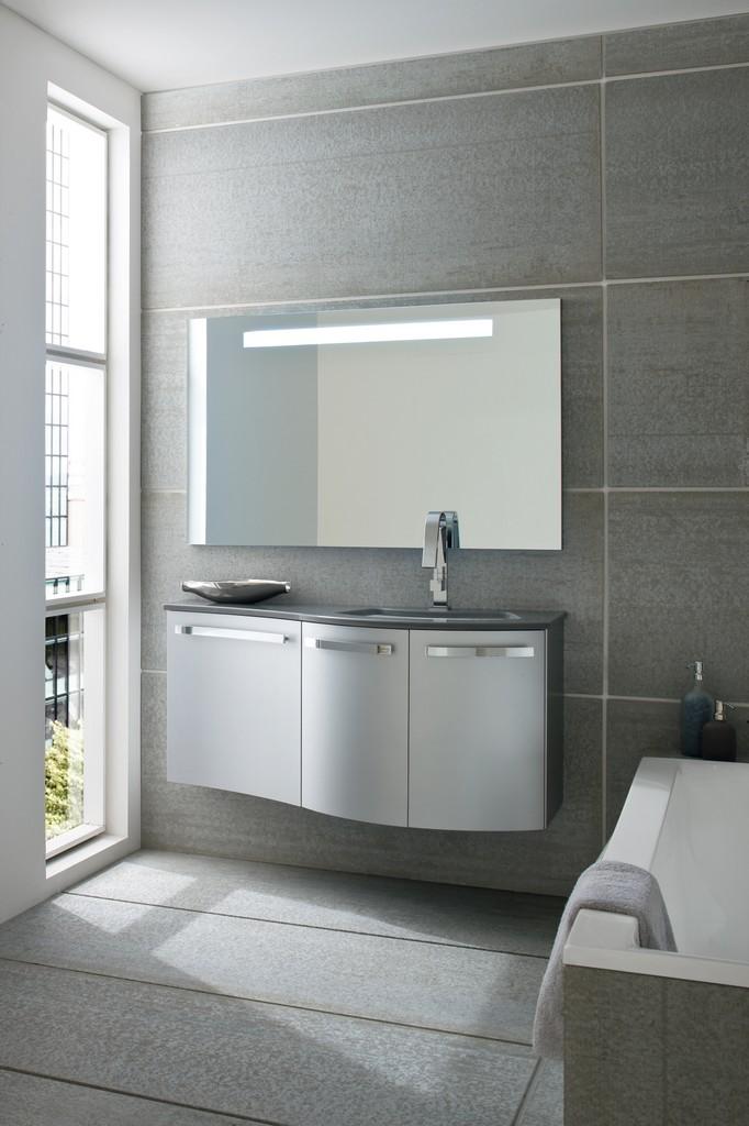 Stunning mobili bagno compab contemporary for Linea arredamenti modena