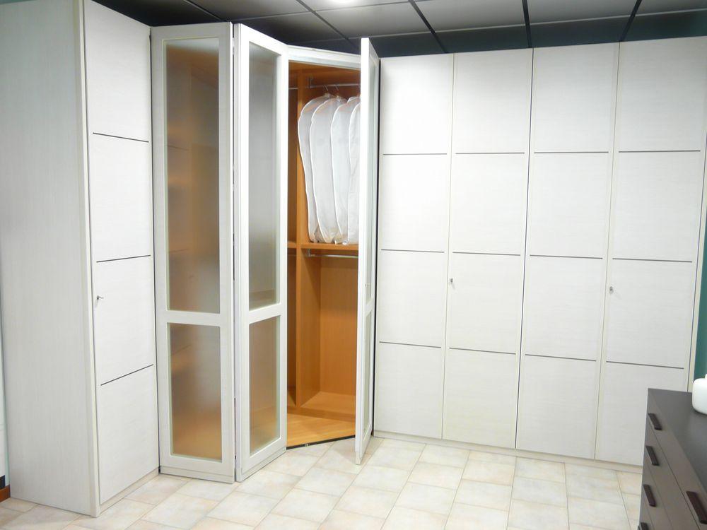 Armadio Ante Battenti : Offerta camera matrimoniale con armadio ante occasione